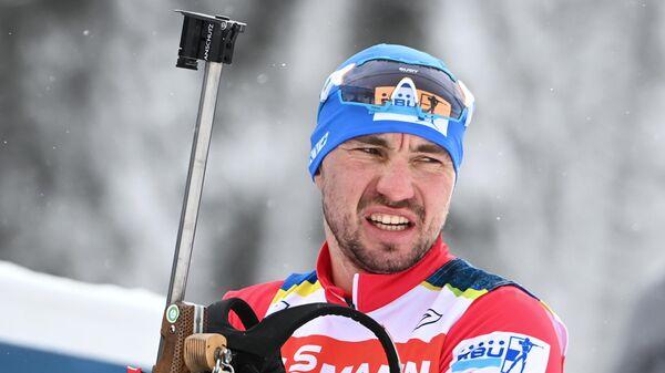 Александр Логинов (Россия) на тренировке во время чемпионата мира по биатлону в словенской Поклюке.