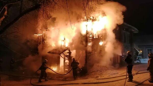 Ликвидация пожара в Каргополе
