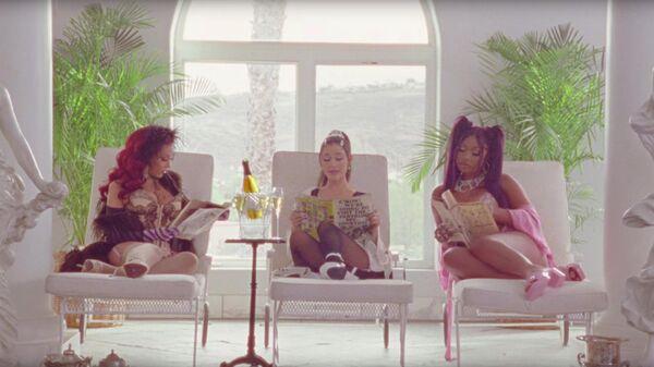 Кадр из клипа Ariana Grande 34+35 Remix
