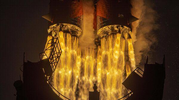 Запуск ракеты-носителя Союз-2.1а с грузовым кораблем Прогресс МС-16 c космодрома Байконур