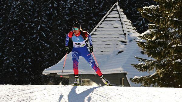 Ульяна Кайшева (Россия) на дистанции гонки преследования на 10 км среди женщин на чемпионате мира по биатлону в словенской Поклюке.