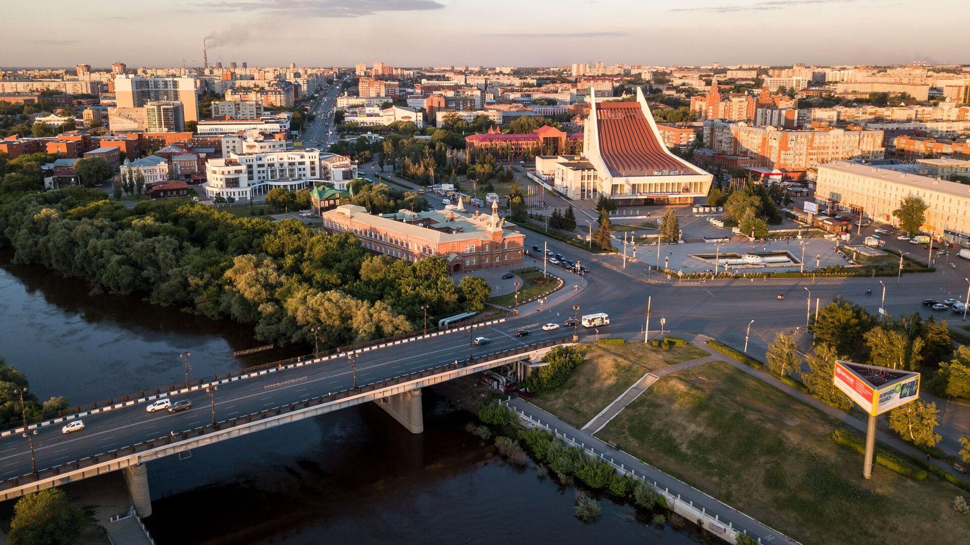 Река Омь, Комсомольский мост, Омский Государственный Музыкальный Театр - РИА Новости, 1920, 14.10.2021