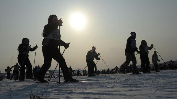 Участники массовой лыжной гонки