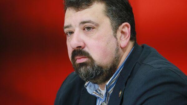 Руководитель лаборатории образовательной и молодежной журналистики НИУ ВШЭ Александр Милкус