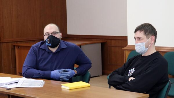 Олег Навальный в зале заседаний Московского городского суда