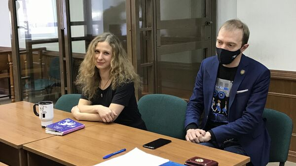 Мария Алёхина в зале заседаний Московского городского суда