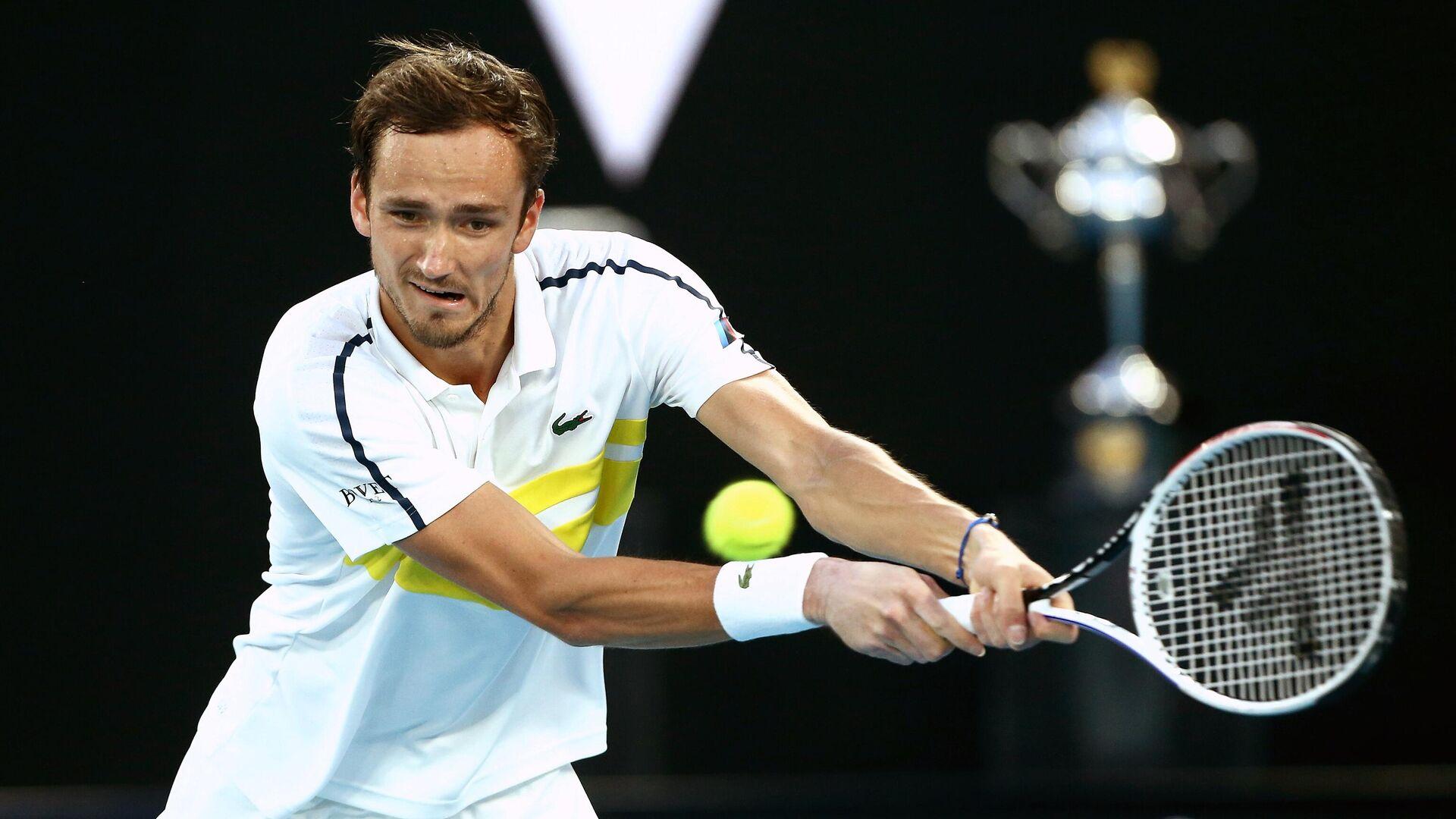 Даниил Медведев (Россия) в полуфинальном матче Открытого чемпионата Австралии 2021 (Australian Open 2021 - РИА Новости, 1920, 19.02.2021