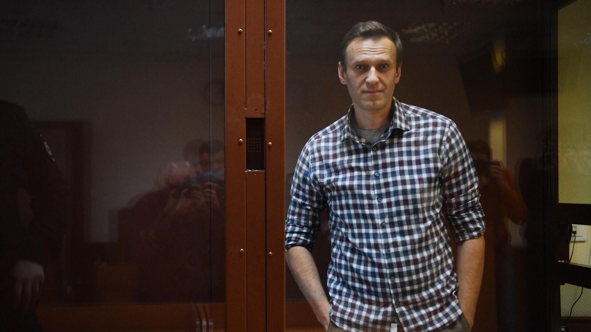 Алексей Навальный в зале Бабушкинского районного суда - РИА Новости, 1920, 07.10.2021