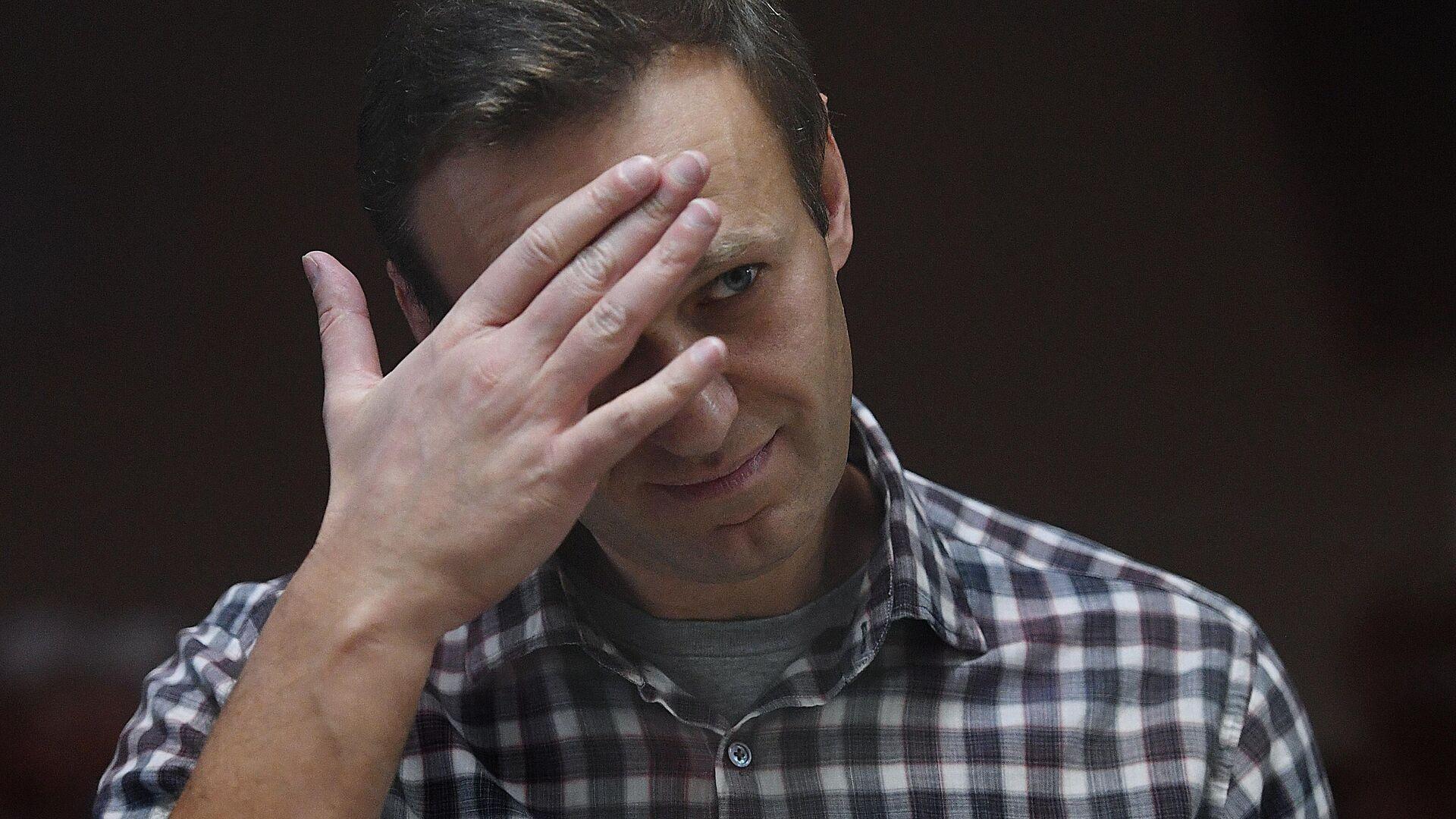 Алексей Навальный в зале Бабушкинского районного суда - РИА Новости, 1920, 06.07.2021