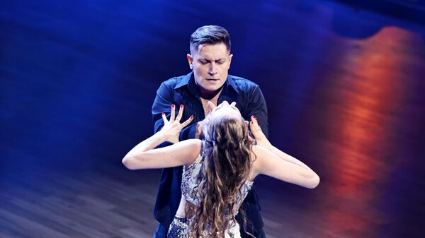 Блогер Давид Манукян (Dava) и Дарья Палей на шоу Танцы со звездами