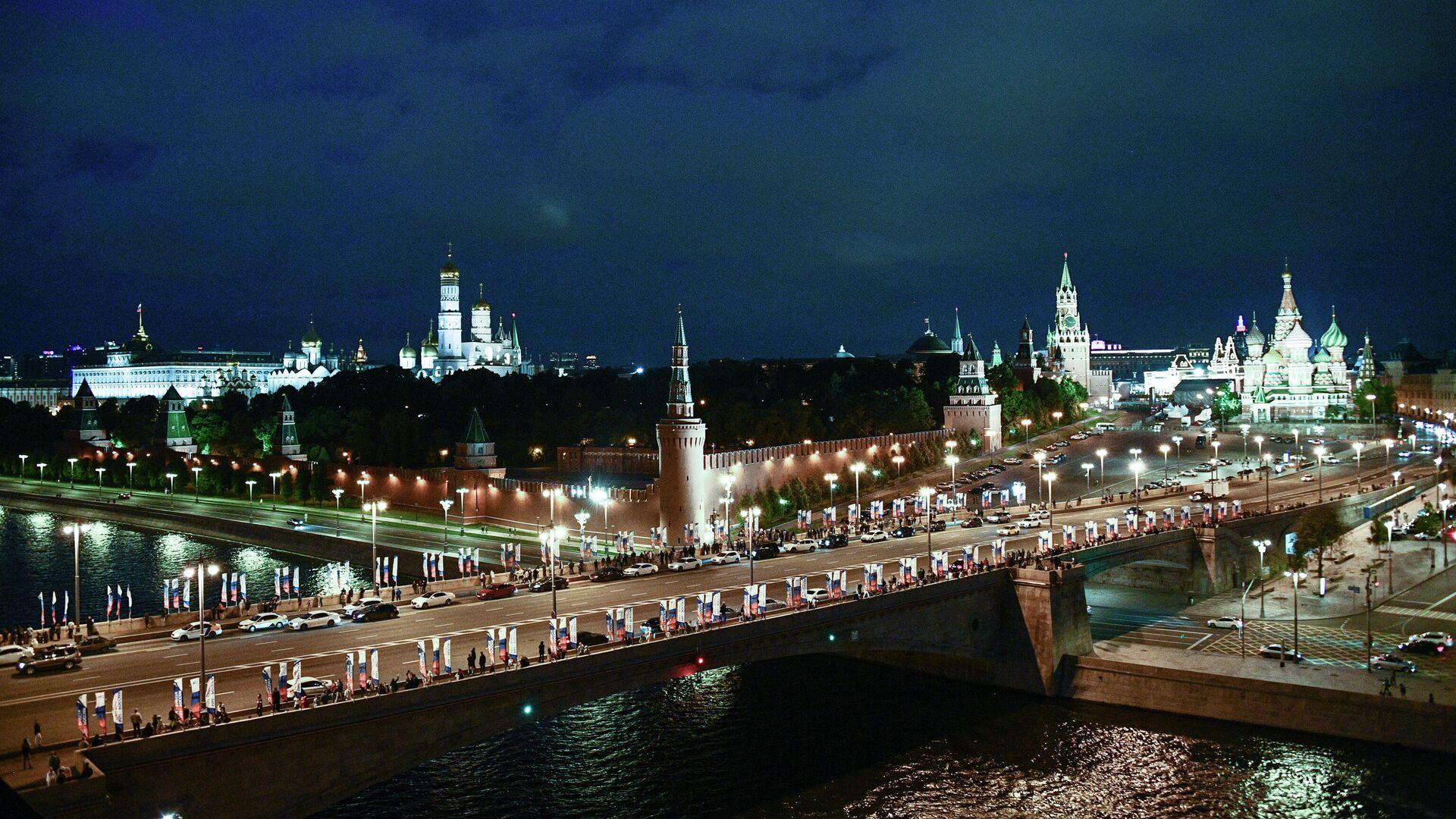 Вид на Кремль и Большой Москворецкий мост в Москве - РИА Новости, 1920, 10.04.2021