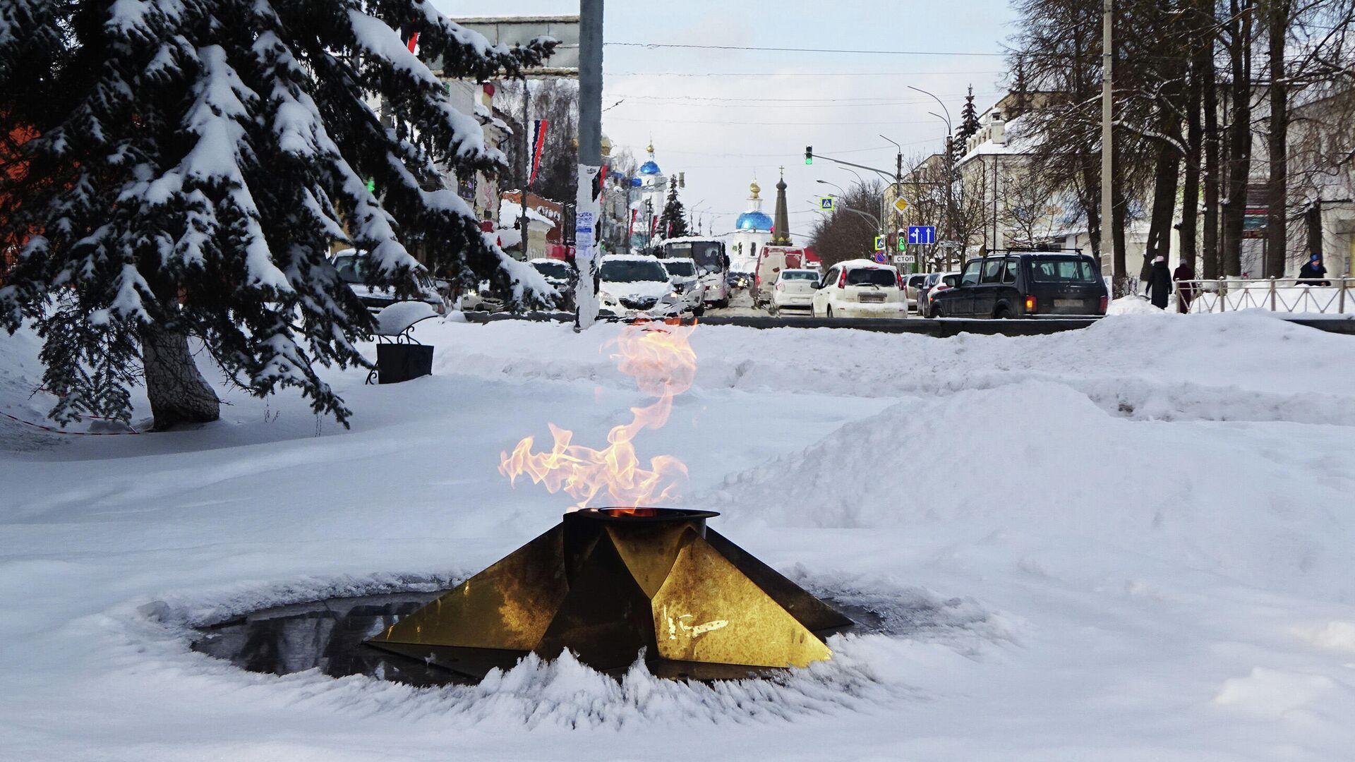 Вечный огонь и вид на улицу Ленина - РИА Новости, 1920, 07.04.2021