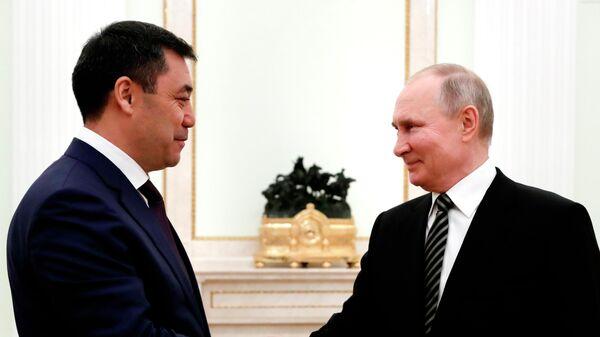 Президент РФ Владимир Путин и президент Киргизской Республики Садыр Жапаров