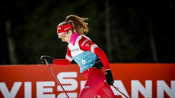 Наталья Непряева (Россия) на тренировке перед соревнованиями чемпионата мира по лыжным гонкам.
