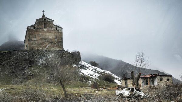 Албано-удинский христианский храм-монастырь Агоглан в селе Хусулу Лачинского района