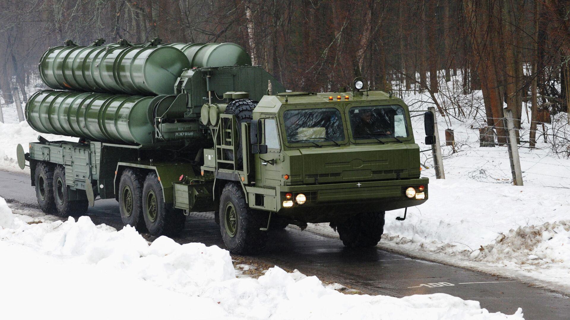 Пусковая установка зенитно-ракетного комплекса С-400 Триумф  - РИА Новости, 1920, 25.02.2021