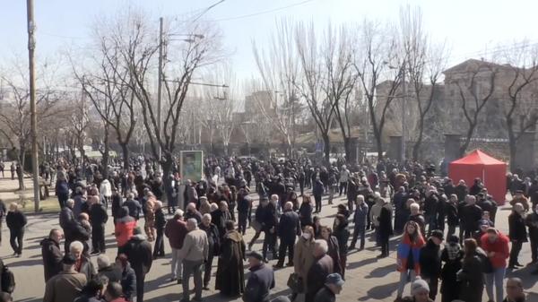 LIVE: Протесты в Ереване