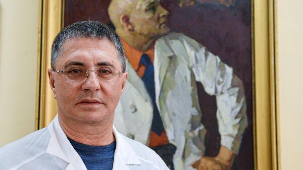 Заслуженный врач города Москвы Александр Мясников