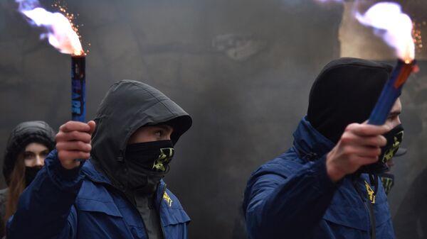 Активисты националистической организации Национальный корпус (запрещенная в РФ организация) блокируют гостинично-развлекательный комплекс Навария Нова
