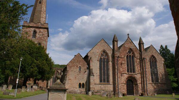 Внешний вид церкви в Ледбери