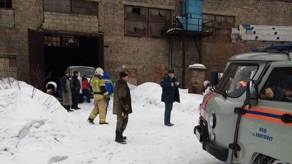 На месте взрыва газового оборудования в цехе ООО Уральская сталелитейная компания в Златоусте