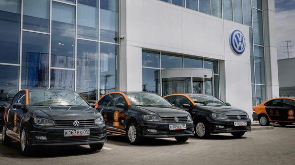 Каршеринговые машины Делимобиля марки Volkswagen