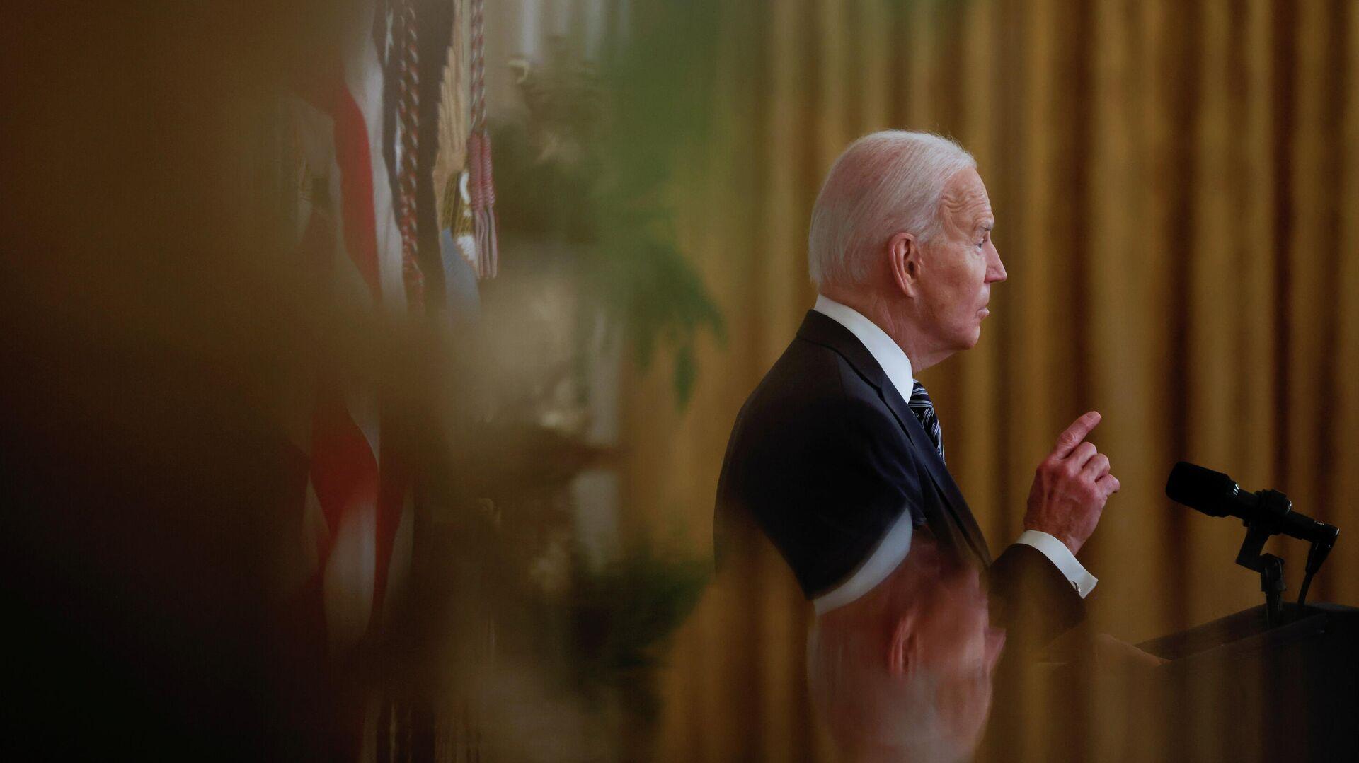 Президент США Джо Байден во время обращения к нации в Белом доме в Вашингтоне - РИА Новости, 1920, 17.03.2021