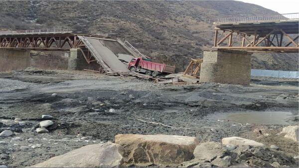 В Шамильском районе Дагестана обрушился дорожный мост