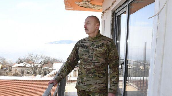 Президент Азербайджана Ильхам Алиев  во время посещения города Шуша