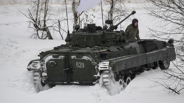 Боевая машина пехоты БМП-2 во время совместных военных учений Россия-Белоруссия на полигоне Мулино