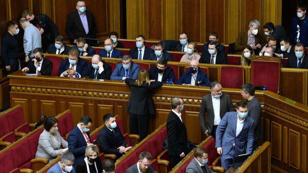 Министры Украины на внеочередном заседании Верховной рады Украины в Киеве