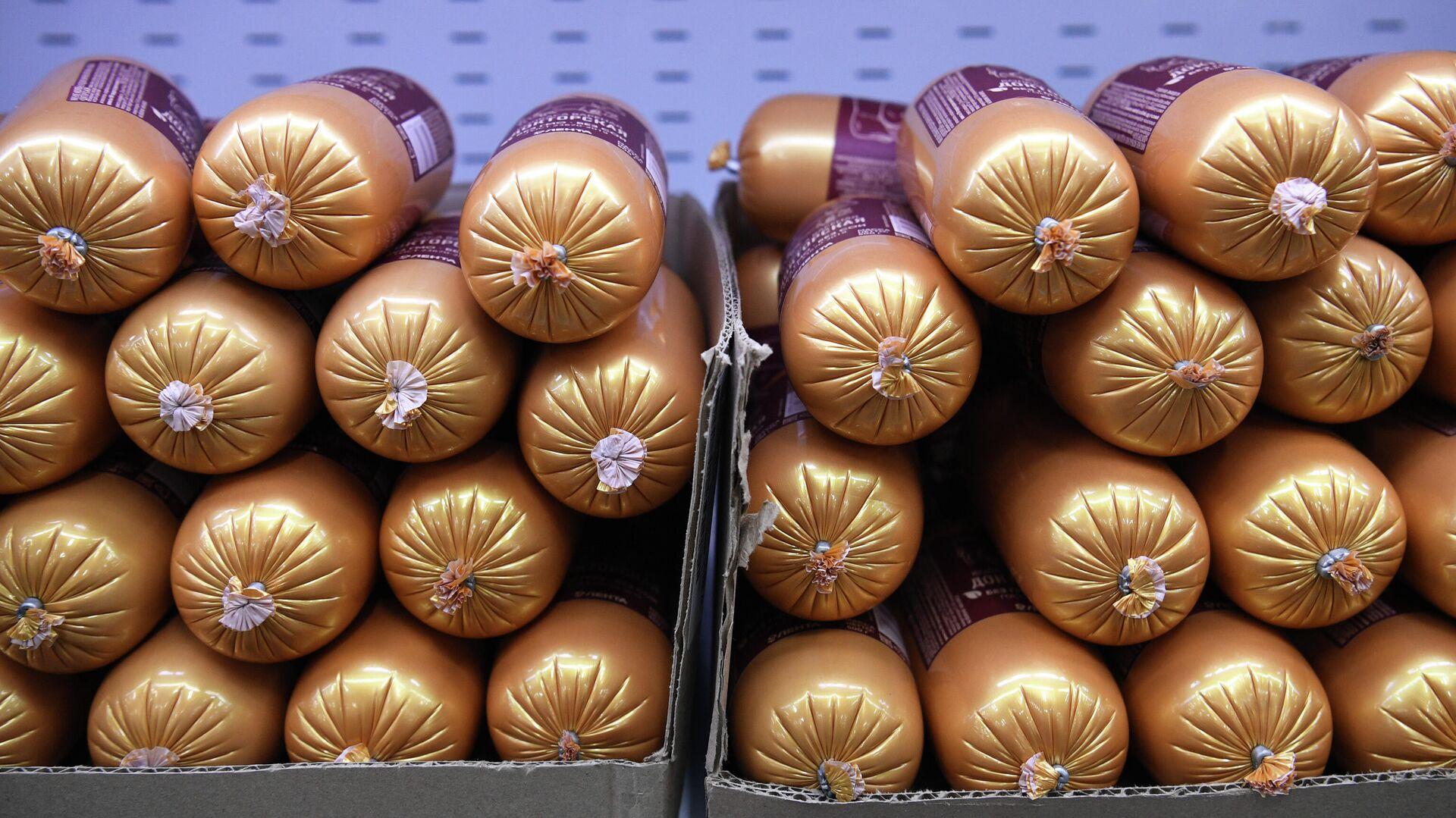 Продажа колбасы в дискаунтере 365+ торговой сети Лента - РИА Новости, 1920, 26.05.2021