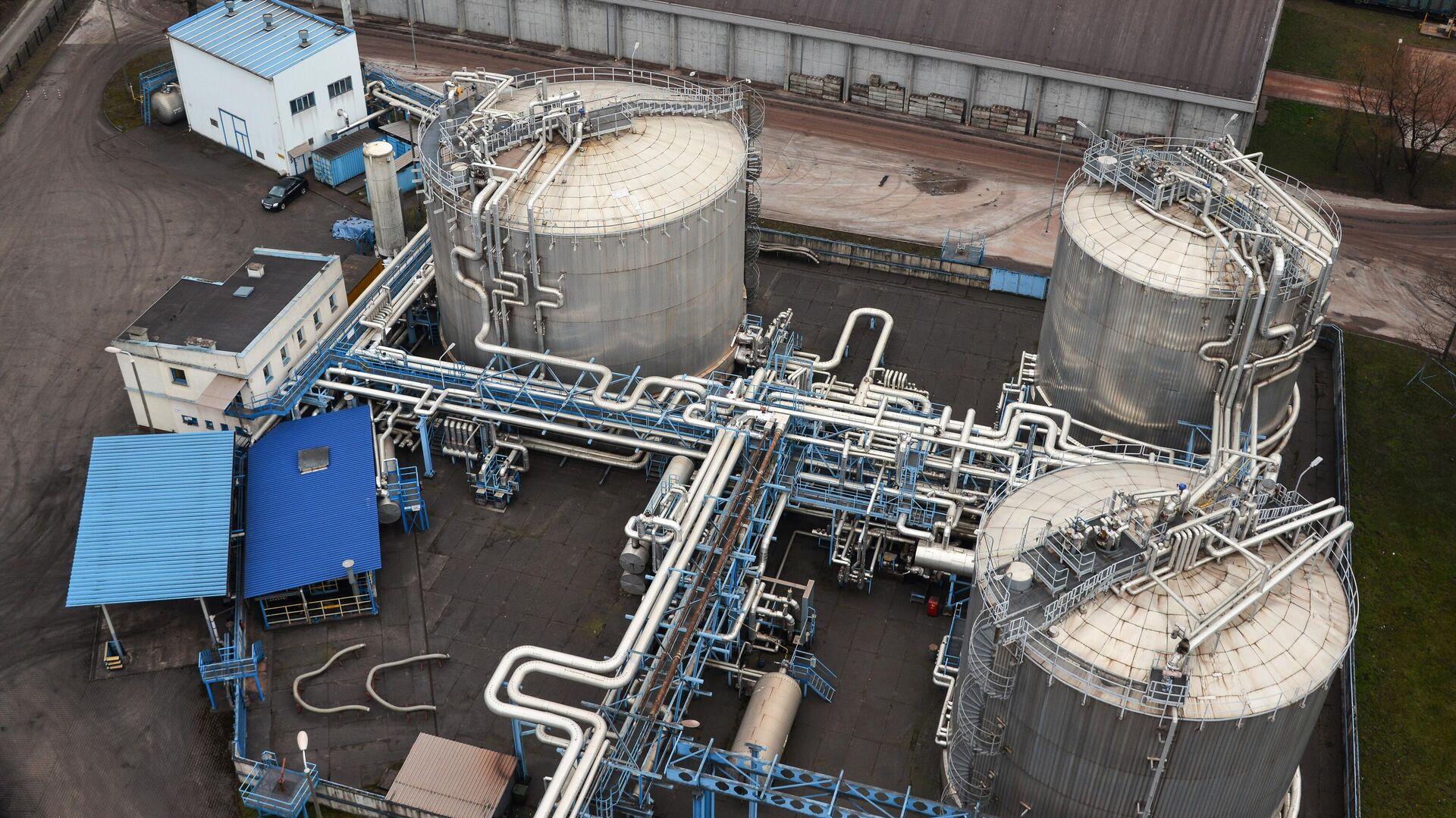 """""""Газпром"""" близок к рекорду по поставкам газа в Европу, заявил Песков"""
