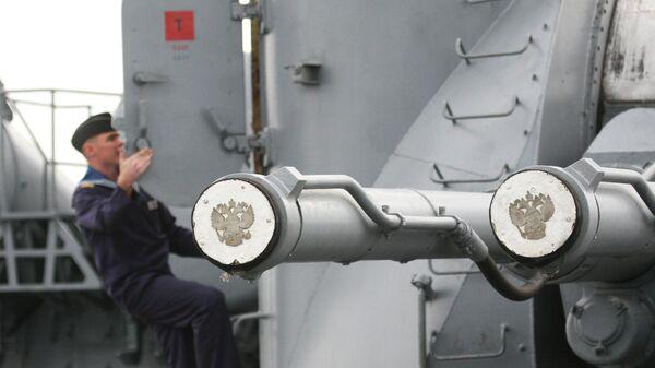 Корабельная артиллерийская установка главного калибра АК-130 ракетного крейсера Варяг