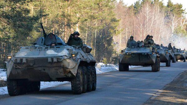 Военнослужащие вооруженных сил России во время активной фазы совместного белорусско-российского батальонного тактического учения на полигоне Осиповичский в Могилевской области