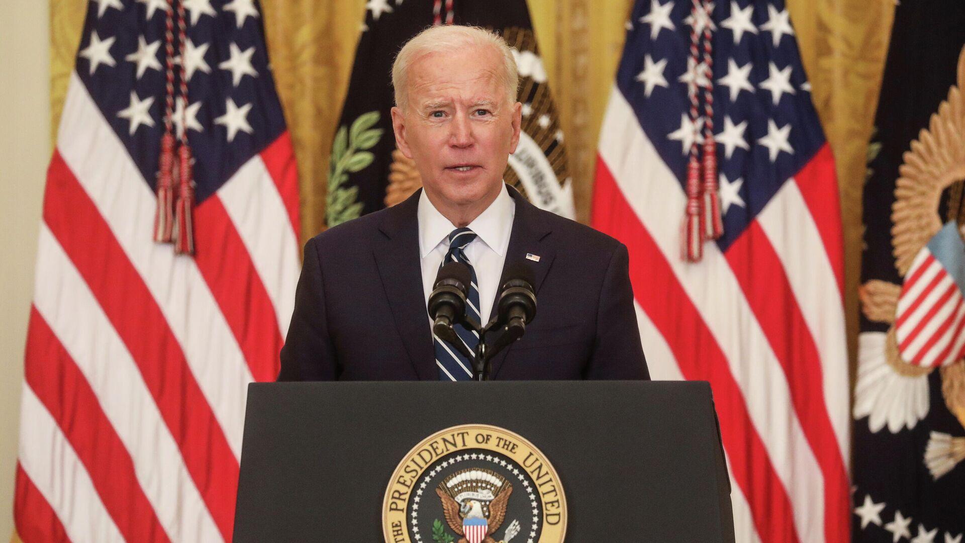 Президент США Джо Байден во время первой пресс-конференции в Белом доме в Вашингтоне - РИА Новости, 1920, 25.03.2021