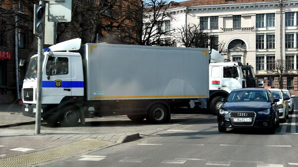 Автозак во время несанкционированной акции протеста в Минске