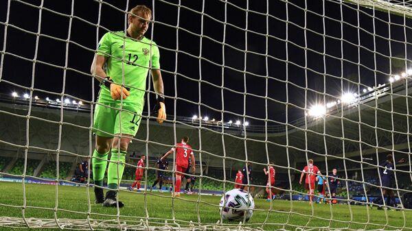 Вратарь сборной России Александр Максименко пропустил гол в матче молодежного чемпионата Европы по футболу между сборными России и Франции.