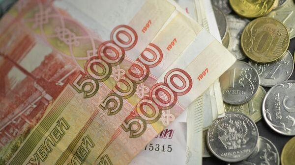 ЦБ оценил влияние курса рубля на инфляцию