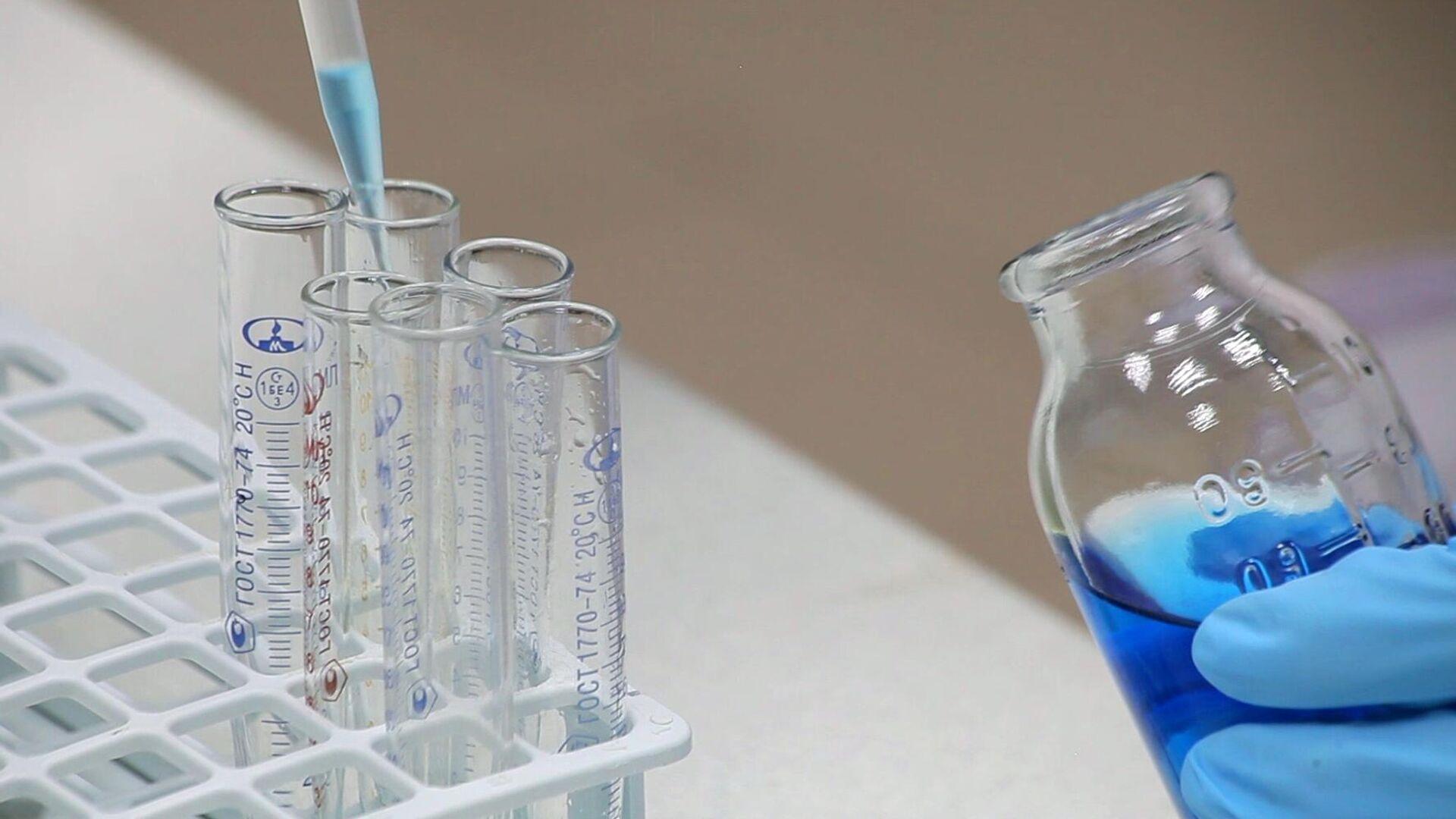 Производство препарата Ковид-глобулин на основе плазмы крови переболевших COVID-19 - РИА Новости, 1920, 02.10.2021