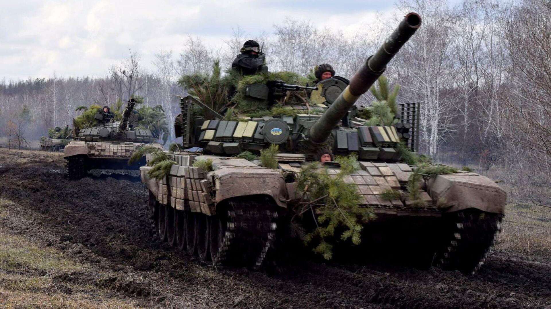 Тренировка танковых резервов вооруженных сил Украины в Луганской области - РИА Новости, 1920, 23.04.2021