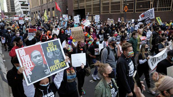 Протесты во время судебных слушаний по делу об убийстве Джорджа Флойда в Миннеаполисе. 29 марта 2021