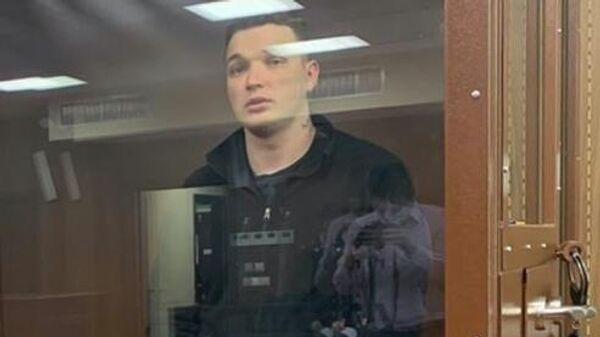 Видеоблогер Эдвард Бил, задержанный после ДТП на Смоленской площади, на заседании Тверского районного суда города Москвы, где рассматривается ходатайство следствия об избрании ему меры пресечения