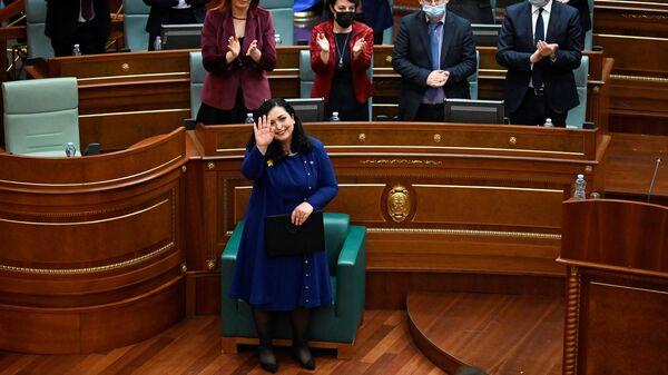 Депутаты парламента самопровозглашенной республики Косово большинством голосов со второй попытки избрали экс-спикера Вьосу Османи президентом