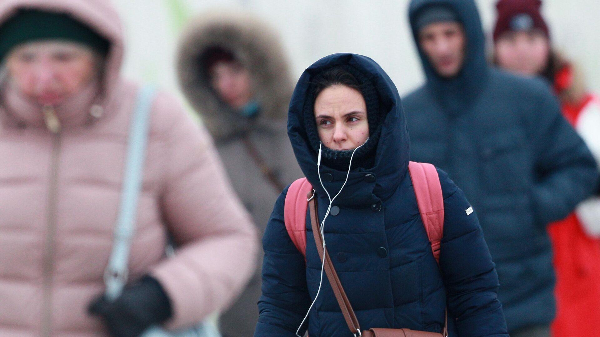 Люди на одной из улиц в Москве - РИА Новости, 1920, 07.04.2021