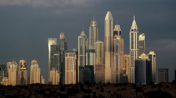 Высотные здания в районах Марина и Джумейра Лейк-Тауэрс в Дубае, ОАЭ