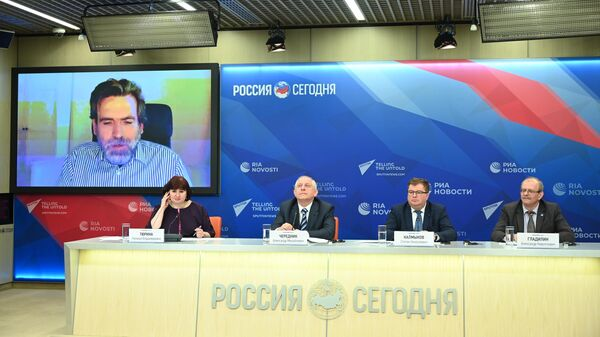 Участники пресс-конференции на тему Международной Менделеевской олимпиады школьников по химии