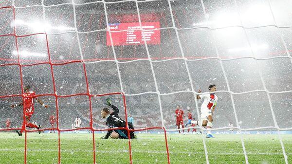 Маркиньос празднует гол в ворота Баварии