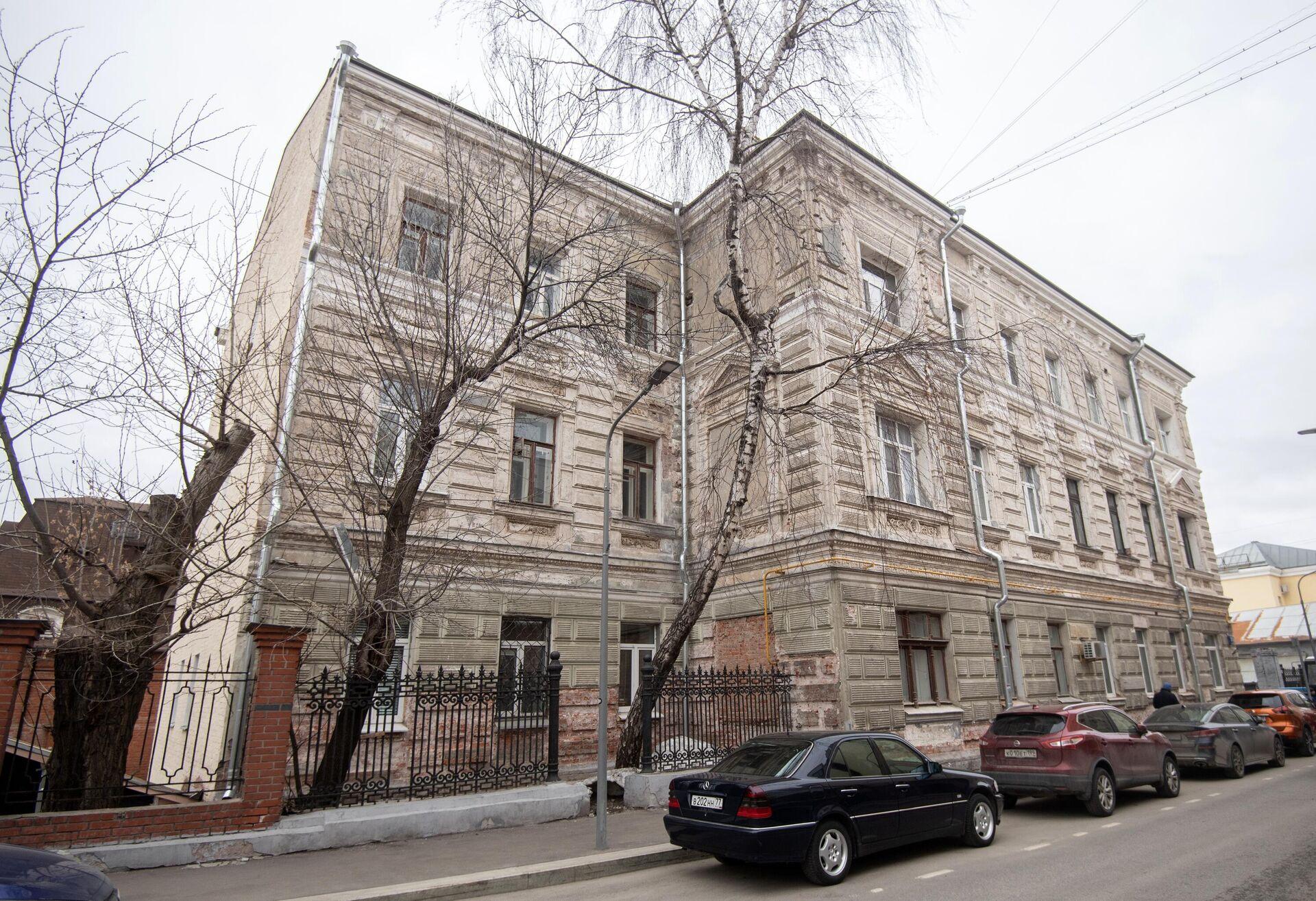 Ремонтные работы в жилом доме 1882-84 гг. постройки - РИА Новости, 1920, 09.04.2021