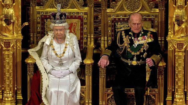 Королева Великобритании Елизавета II и ее супруг герцог Эдинбургский